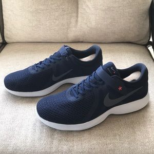 the latest 78d8b e36f0 Nike Shoes - Nike Revolution 4 FlyEase Mens 14 4E Midnight Navy